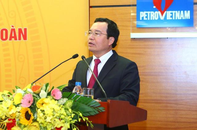 Khởi tố, bắt tạm giam nguyên chủ tịch PVN Nguyễn Quốc Khánh - Ảnh 1.