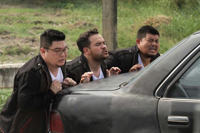 Xem trailer Siêu cớm ngoại cỡ - một phim hài hành động Thái Lan  - Ảnh 7.