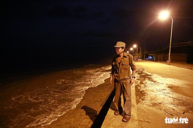 Làng biển Phan Rang không ngủ trước bão lớn - Ảnh 9.