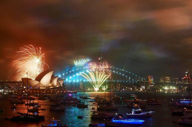 Các nước mở đại tiệc pháo hoa đầy màu sắc chào năm mới 2018 - Ảnh 4.