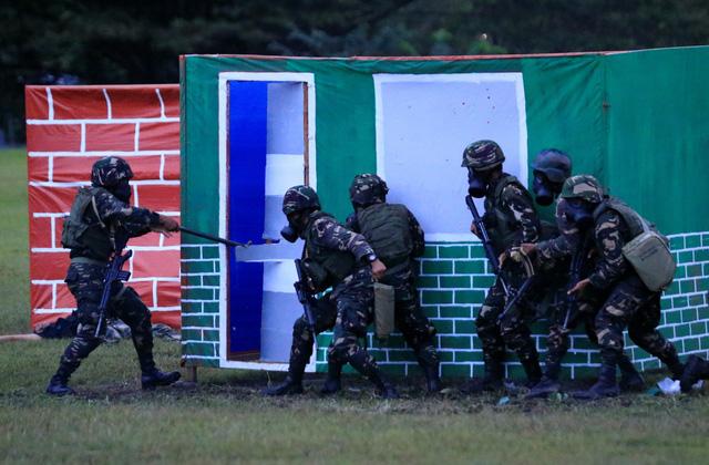 Khai quật thi hài nghi của con tin Việt Nam tại Philippines - Ảnh 3.