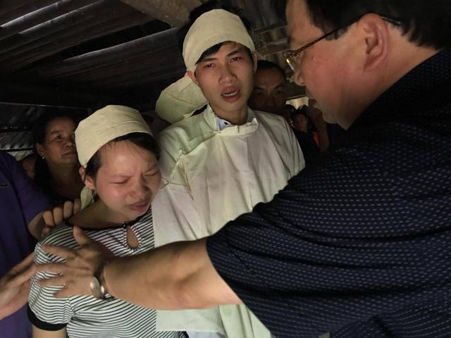Tìm được 9 thi thể trong số 18 người bị vùi lấp tại Hòa Bình - Ảnh 16.