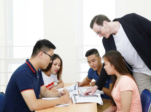 10 năm vươn tới hội nhập quốc tế giáo dục của UEF - Ảnh 1.
