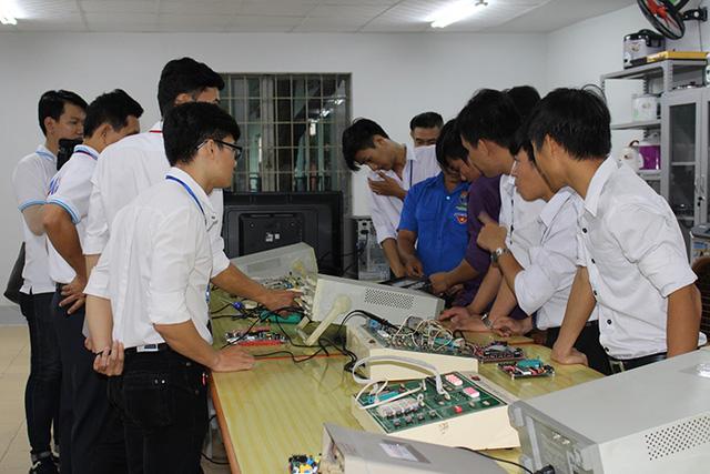 Asanzophát triển thêm nhân lực trình độ cao ngành điện tử - Ảnh 2.
