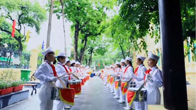 MV hoành tráng mừng trường Trưng Vương 100 tuổi - ảnh 1