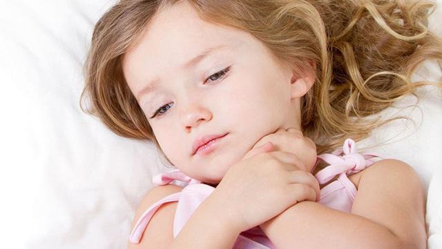 Bí quyết giúp giảm 50% nguy cơ viêm đường hô hấp cho trẻ - Ảnh 1.