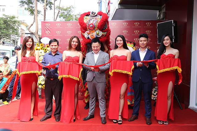 Huy Thanh Jewelry khai trương thêm showroom thứ 11 tại TP. HCM - Ảnh 1.