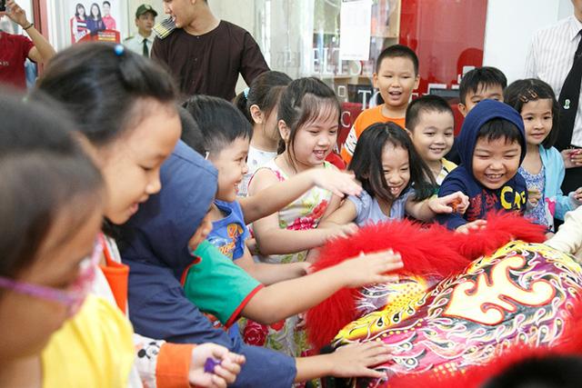 Mùa trăng vàng rộn rã tại Anh văn Hội Việt Mỹ VUS - Ảnh 7.