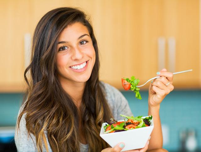 10 bí kíp giúp phụ nữ giữ thân thể khỏe mạnh, trẻ trung - Ảnh 4.