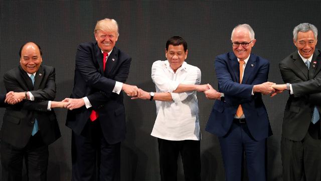 Biển Đông phủ bóng các hội nghị tại Manila - Ảnh 4.