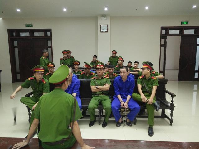 Hoãn phúc thẩm vụ ma túy của tử tù trốn trại Nguyễn Văn Tình - Ảnh 1.