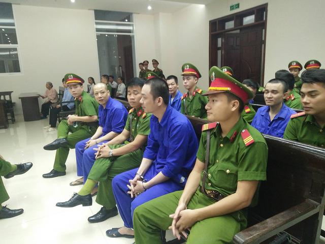 Hoãn phúc thẩm vụ ma túy của tử tù trốn trại Nguyễn Văn Tình - Ảnh 2.