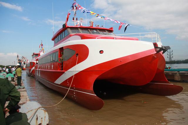 Thêm 2 tàu cao tốc hai thân made in Vietnam được hạ thủy - Ảnh 2.