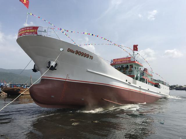 Đà Nẵng hạ thủy tàu vỏ thép 31 tỉ lớn nhất miền Trung - Ảnh 1.
