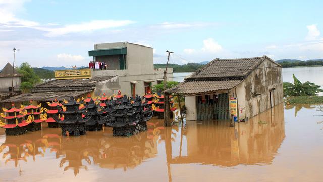 Thanh Hóa: hàng nghìn nhà dân ngập nước, huyện cứu trợ khẩn cấp - Ảnh 3.