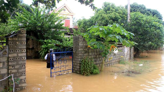 Thanh Hóa: hàng nghìn nhà dân ngập nước, huyện cứu trợ khẩn cấp - Ảnh 7.