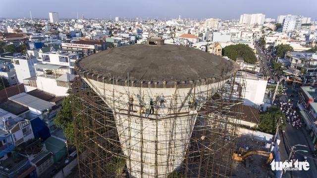 Kết cấu bê tông dự ứng lực làm khó thợ tháo dỡ thủy đài - Ảnh 6.