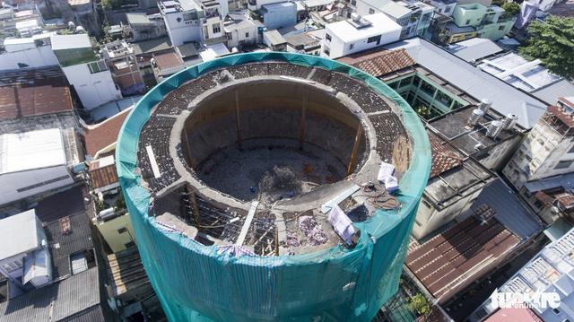 Kết cấu bê tông dự ứng lực làm khó thợ tháo dỡ thủy đài - Ảnh 9.