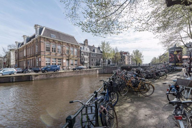 Thiết kế siêu thoáng khiến căn hộ Amsterdam rộng hơn hẳn - Ảnh 1.