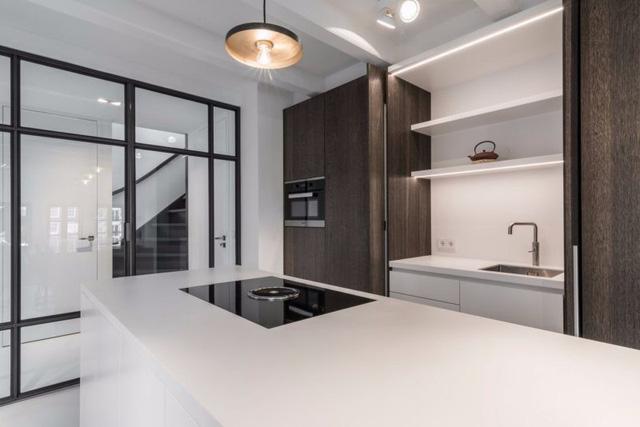Thiết kế siêu thoáng khiến căn hộ Amsterdam rộng hơn hẳn - Ảnh 6.