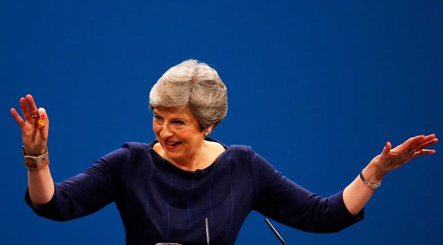 Thủ tướng Anh phản ứng trước âm mưu lật đổ bà - Ảnh 1.