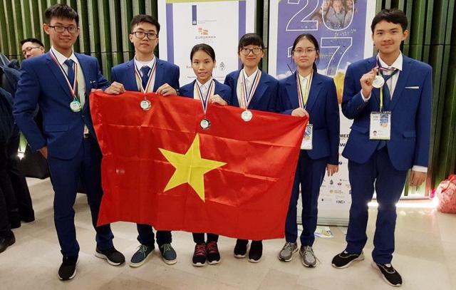 Việt Nam đoạt 6 giải Olympic khoa học trẻ quốc tế 2017 - Ảnh 1.