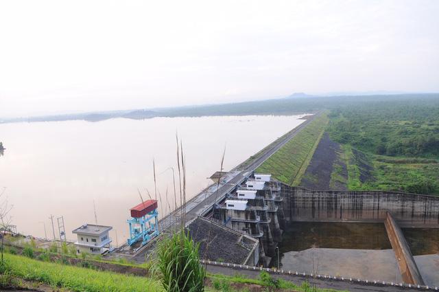 Lại đề nghị khai thác thêm 400 thủy điện nhỏ - Ảnh 1.
