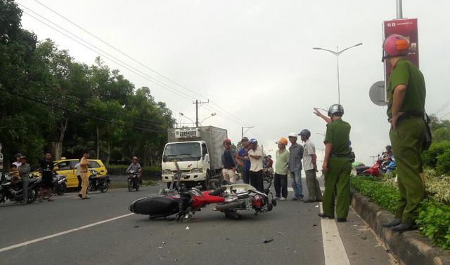 Từ chối chở người bị nạn cấp cứu, taxi bị dân phản ứng: Sao lại vô cảm thế này?