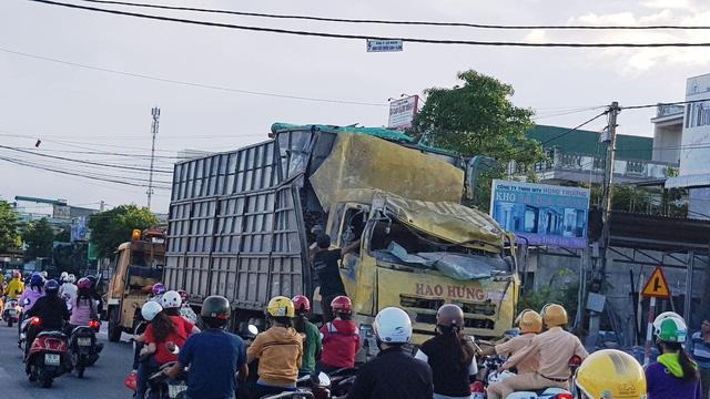 Xe tải tông sập nhà dân nhưng không chịu đền bù - Ảnh 3.