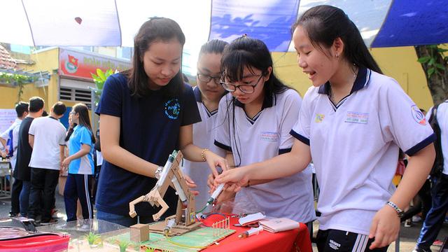 Hội chợ khoa học cho học sinh - Ảnh 1.