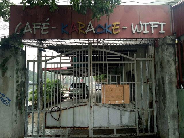Đột kích quán cà phê karaoke, tạm giữ 15 người đang phê - Ảnh 1.