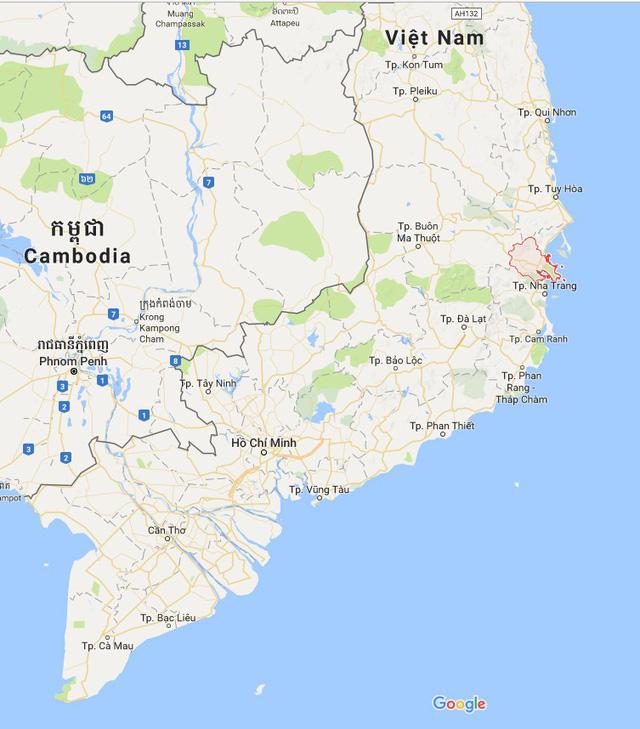 Tâm bão số 12 đổ bộ đất liền, gió cấp 11 tại Nha Trang, TP Tuy Hòa mất điện - Ảnh 8.