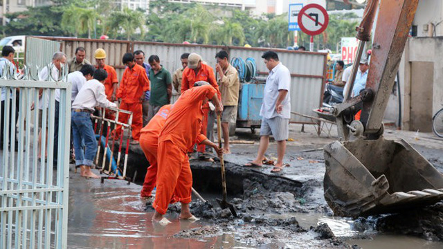 Cúp nước diện rộng ở Sài Gòn trong 2 giờ - Ảnh 1.