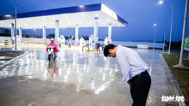 Người Nhật đã vào bán xăng, hãy cạnh tranh thật sự - Ảnh 1.