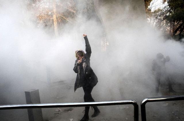 Biểu tình chết người, Iran đổ lỗi cho thế lực thù địch - Ảnh 2.
