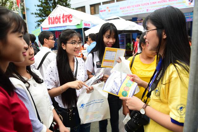 'Thời điểm vàng' để học sinh giải tỏa thắc mắc về kỳ thi THPT quốc gia - Ảnh 14.