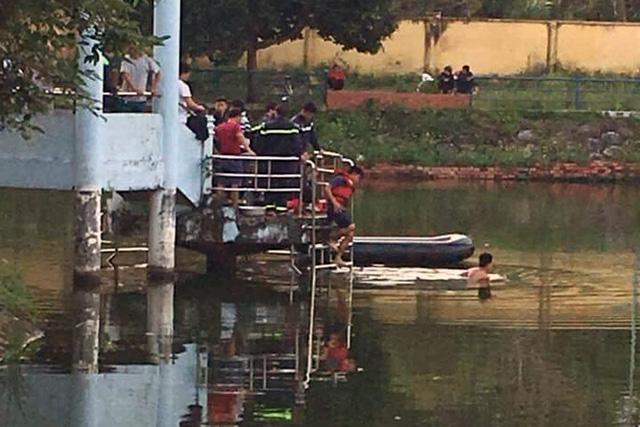Lật thuyền trên hồ, 2 thiếu niên chết đuối thương tâm - Ảnh 1.