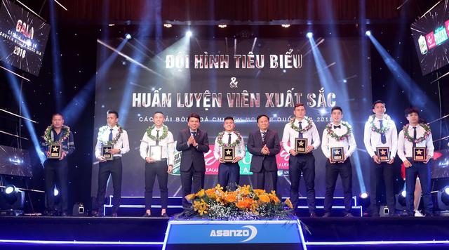 Nguyễn Quang Hải là cầu thủ trẻ xuất sắc nhất V-League 2018 - Ảnh 3.