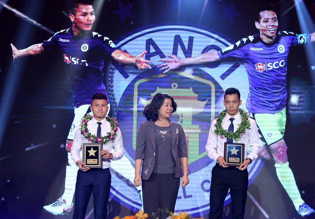Nguyễn Quang Hải là cầu thủ trẻ xuất sắc nhất V-League 2018 - Ảnh 1.