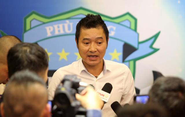 Cựu danh thủ Nguyễn Hồng Sơn, Triệu Quang Hà trở lại bóng đá - Ảnh 2.