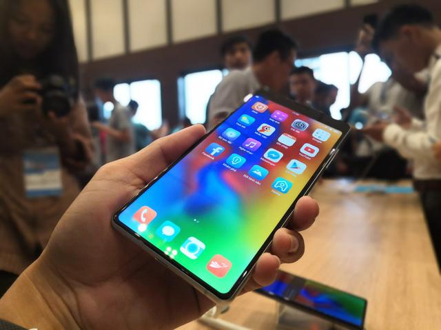 Bkav ra mắt smartphone Bphone 3 - Ảnh 1.