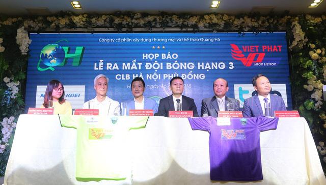 Cựu danh thủ Nguyễn Hồng Sơn, Triệu Quang Hà trở lại bóng đá - Ảnh 1.