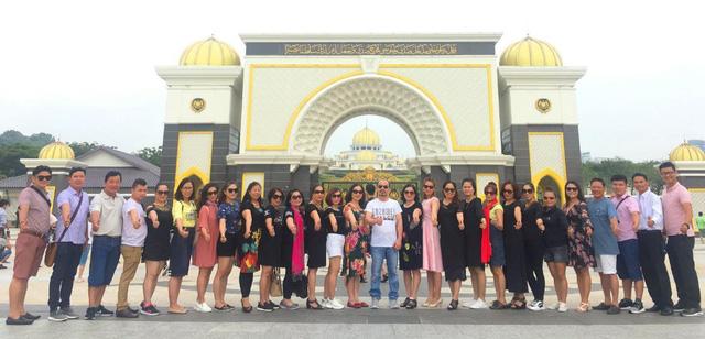 Chubb Life Việt Nam tổ chức Hội nghị Bàn tròn Triệu đô 2018 - Ảnh 1.