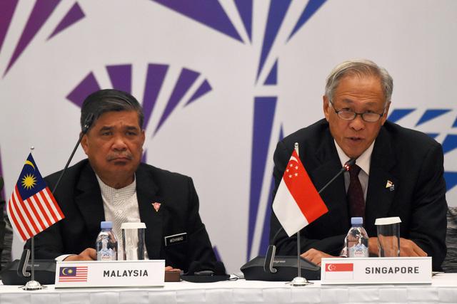 ASEAN - Trung Quốc chuẩn bị tập trận trên Biển Đông - Ảnh 1.