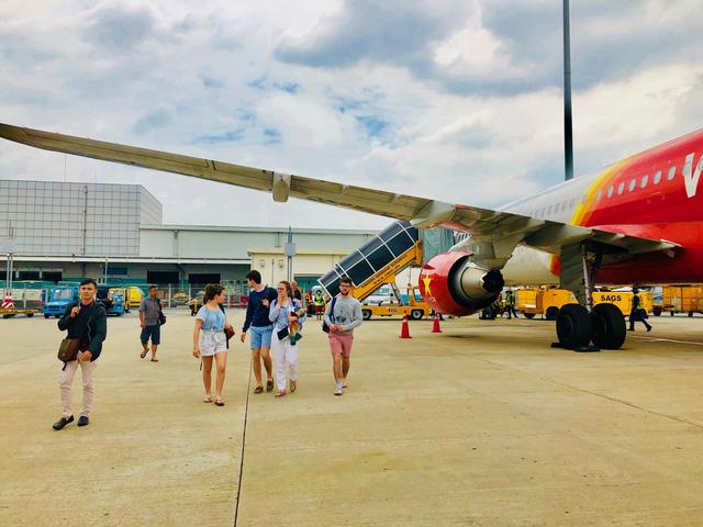 Các hãng hàng không sắm thêm 32 máy bay cho dịp Tết - Ảnh 1.