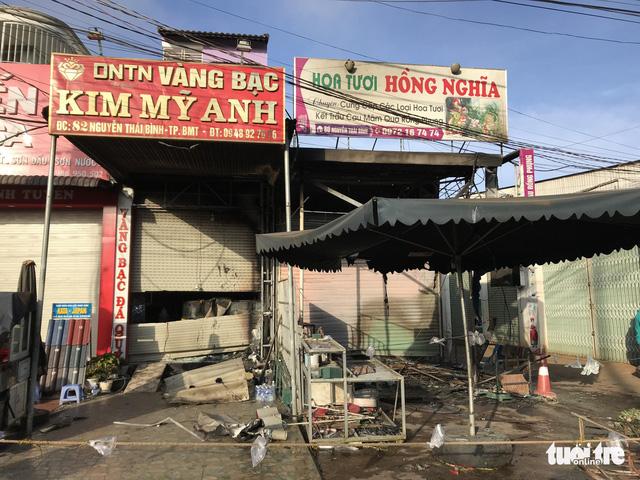 Cháy shop hoa ở Buôn Ma Thuột, 2 người chết - Ảnh 1.