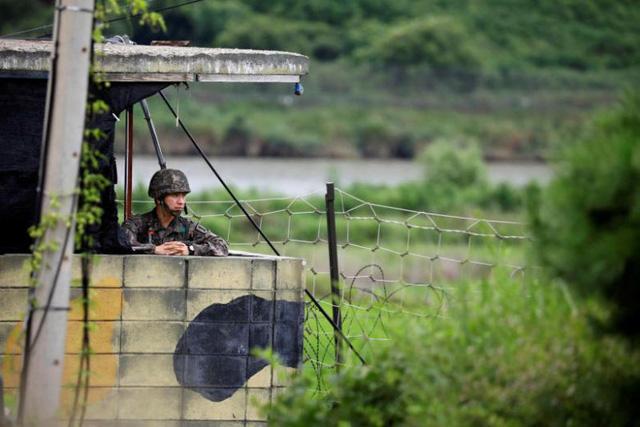Biên giới liên Triều bớt đi vũ khí, chốt bảo vệ - Ảnh 1.