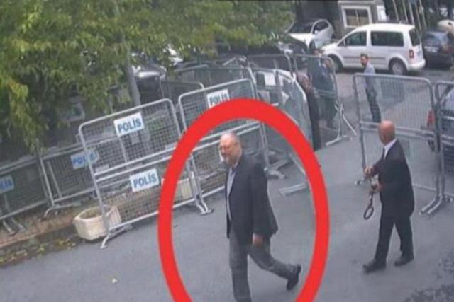 Thổ Nhĩ Kỳ tung bom tấn: kẻ giết nhà báo Saudi mặc quần áo của nạn nhân - Ảnh 1.