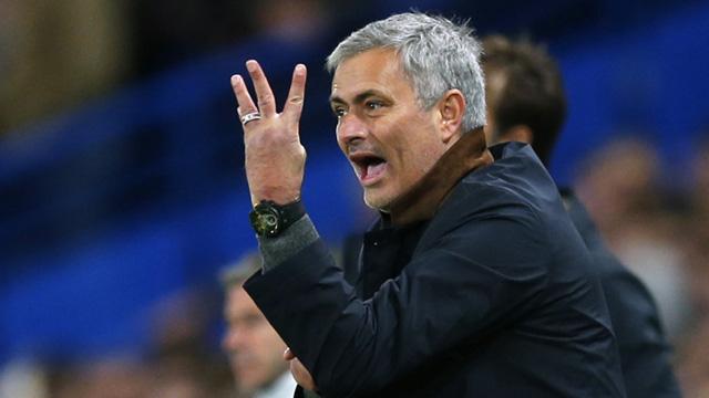 Ba ngón tay của Jose Mourinho - Ảnh 1.