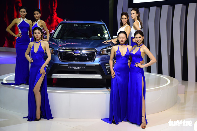 Những người đẹp hâm nóng triển lãm xe Vietnam Motor Show 2018 - Ảnh 17.
